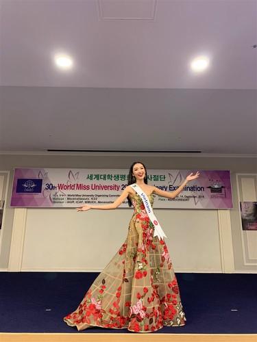 thanh khoa wins world miss university 2019 crown hinh 14