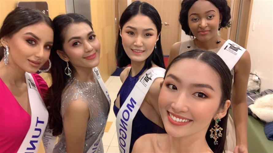 thanh khoa wins world miss university 2019 crown hinh 7