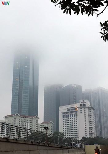 dense fog descends on the streets of hanoi hinh 13