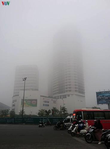 dense fog descends on the streets of hanoi hinh 6