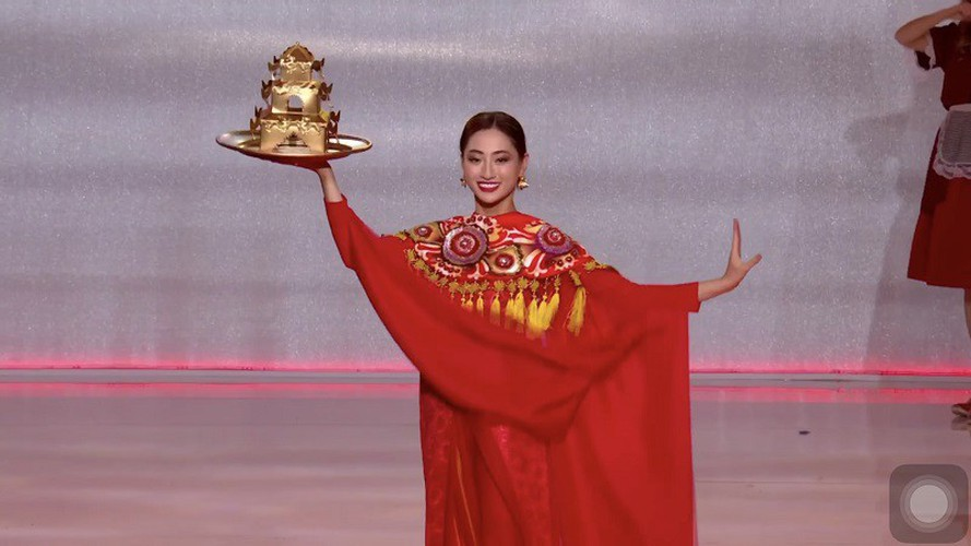 thuy linh named among top 25 in beauty of the year 2019 poll hinh 1