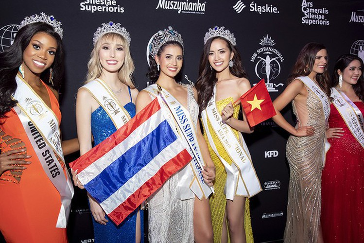 impressive outfits worn by vietnamese beauties in global pageants during 2019 hinh 12