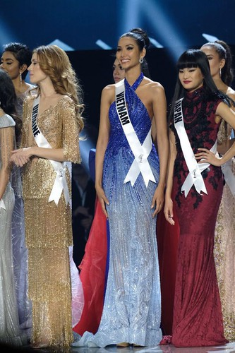 impressive outfits worn by vietnamese beauties in global pageants during 2019 hinh 2