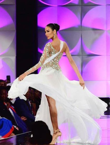 impressive outfits worn by vietnamese beauties in global pageants during 2019 hinh 3