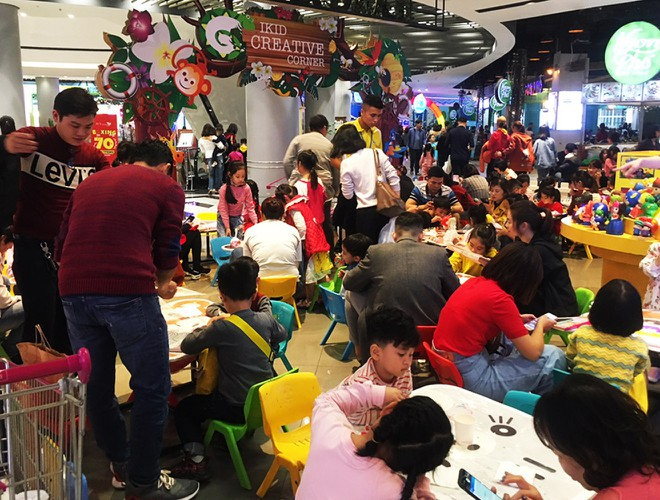 hanoi and ho chi minh city residents enjoy first day of 2020 hinh 15