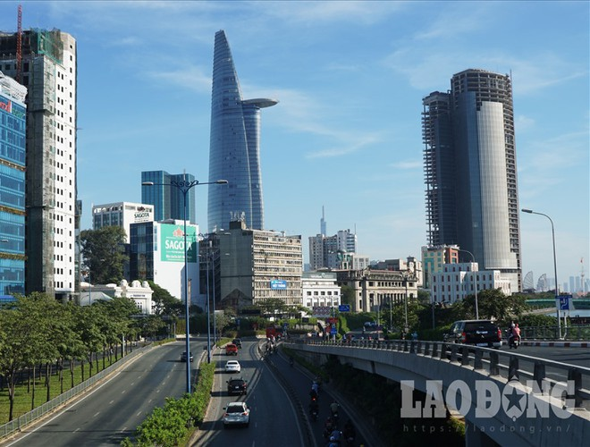 hanoi and ho chi minh city residents enjoy first day of 2020 hinh 18