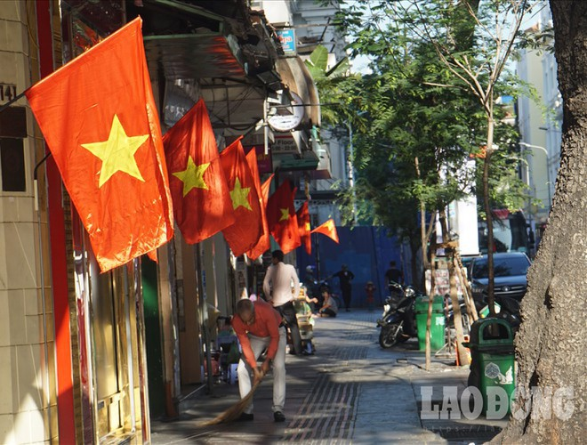 hanoi and ho chi minh city residents enjoy first day of 2020 hinh 20