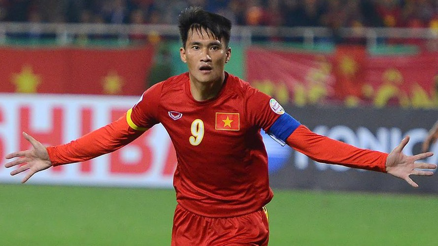 quang hai wins place in asean team of the decade hinh 10