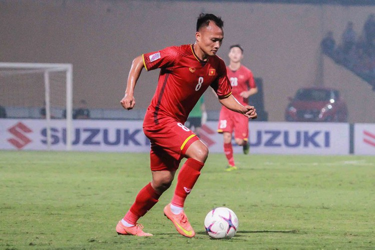 quang hai wins place in asean team of the decade hinh 2