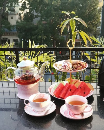 four coffee shops with enchanting view for photography lovers in hanoi hinh 6