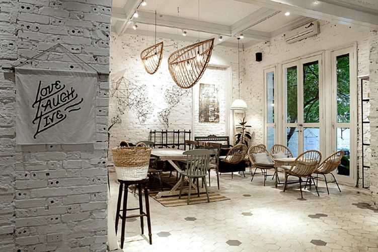 four coffee shops with enchanting view for photography lovers in hanoi hinh 7