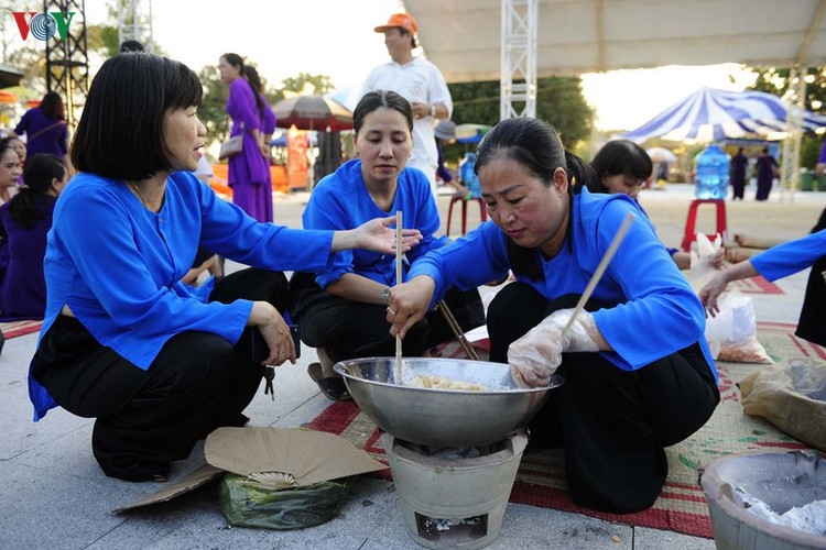 traditional customs on show as hue hosts tet festival hinh 6