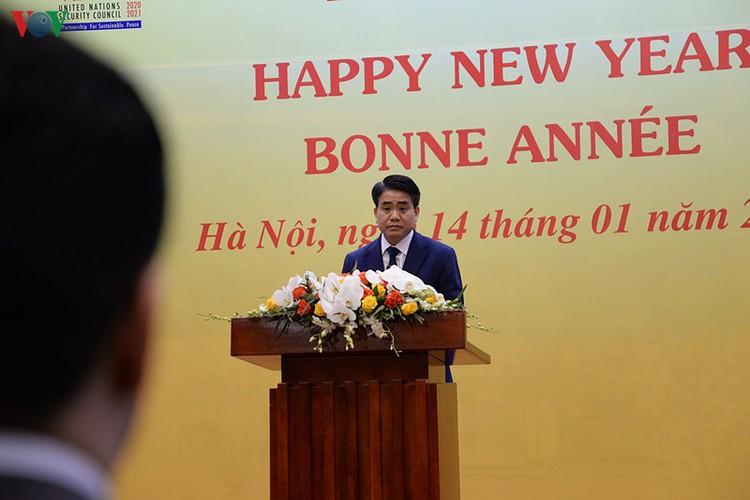 diplomatic representatives hosted by deputy pm at new year banquet hinh 2