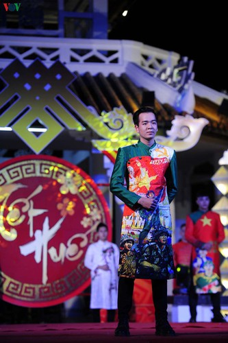 stunning ao dai go on show at tet hue festival 2020 hinh 10
