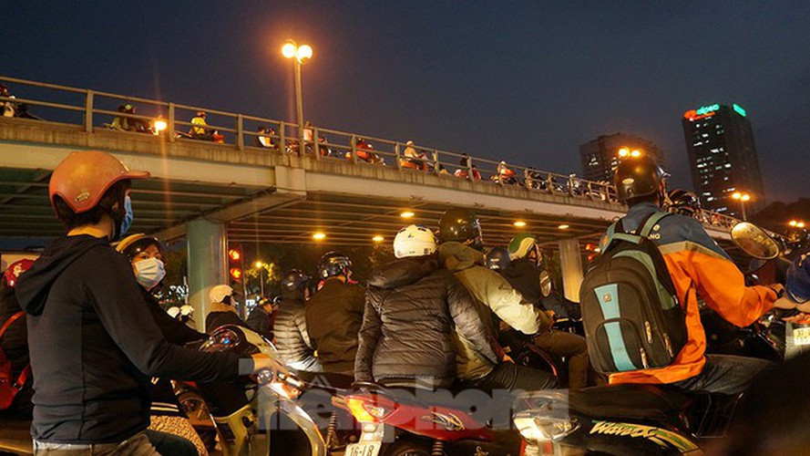 commuters in hanoi poised to face annual tet gridlock hinh 10
