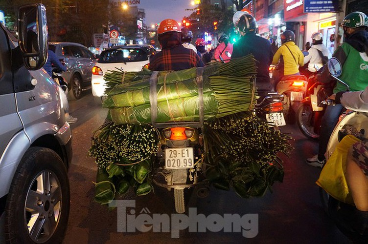 commuters in hanoi poised to face annual tet gridlock hinh 11