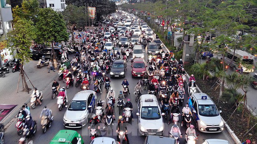 commuters in hanoi poised to face annual tet gridlock hinh 1