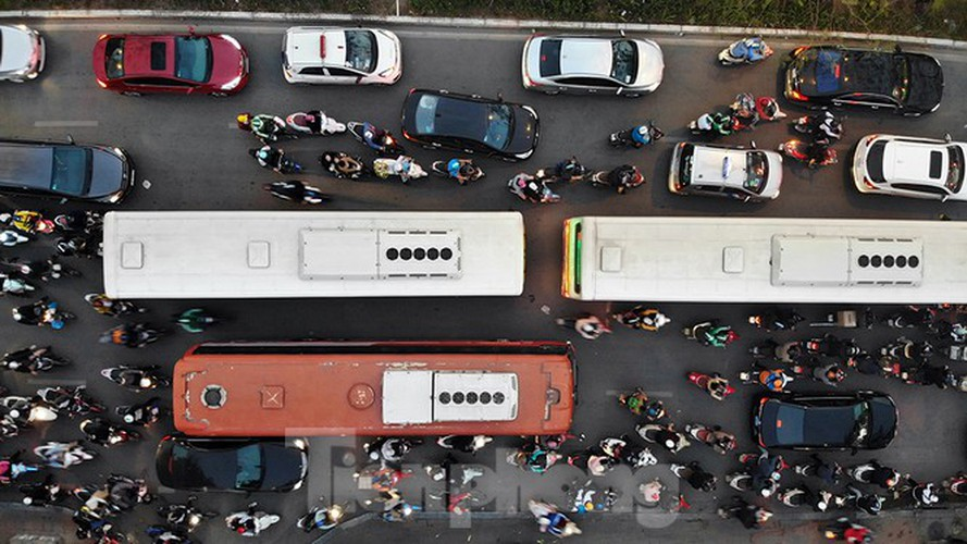 commuters in hanoi poised to face annual tet gridlock hinh 2