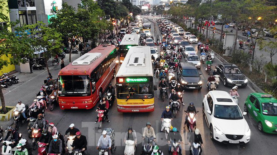 commuters in hanoi poised to face annual tet gridlock hinh 4