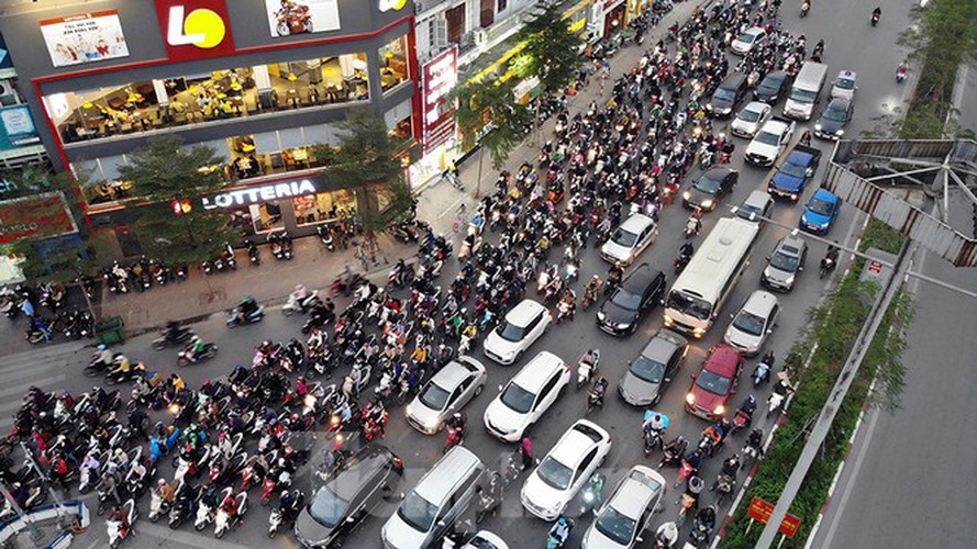 commuters in hanoi poised to face annual tet gridlock hinh 8