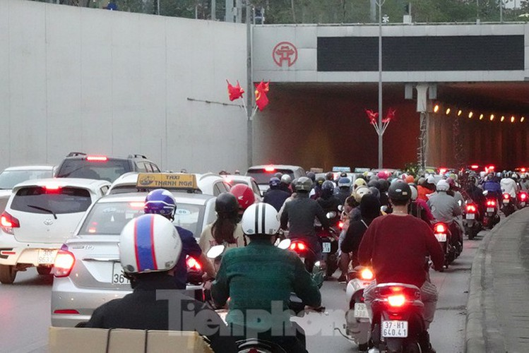 commuters in hanoi poised to face annual tet gridlock hinh 9
