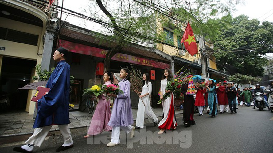 images of old tet recreated in hanoi's old quarter hinh 7