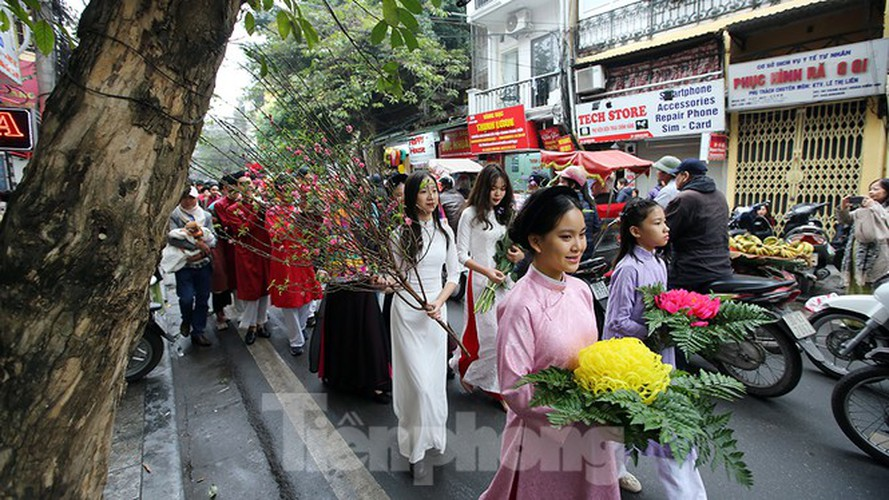 images of old tet recreated in hanoi's old quarter hinh 9