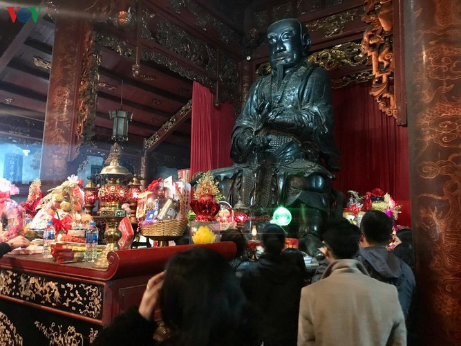 lunar new year visit to pagodas embraces vietnam's tet tradition hinh 13