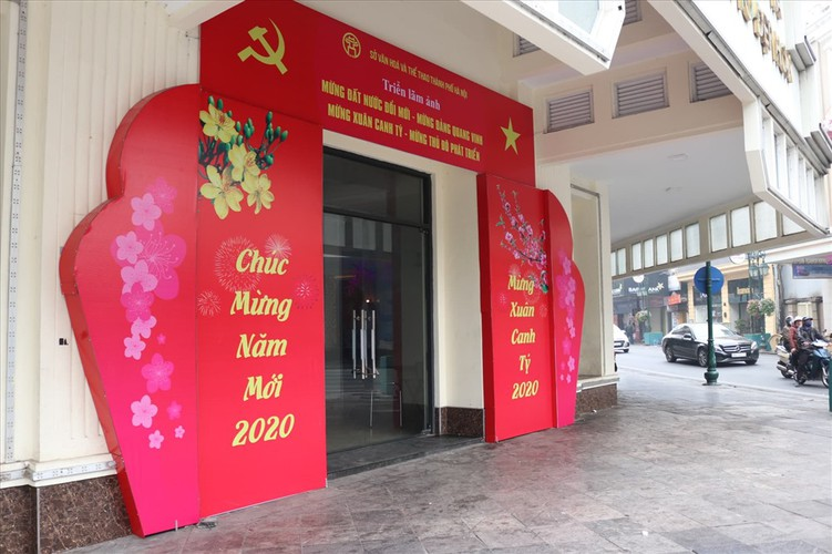 hanoi receives decorative makeover to celebrate party's founding anniversary hinh 9