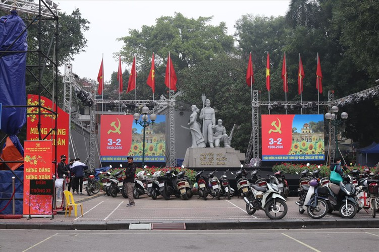 hanoi receives decorative makeover to celebrate party's founding anniversary hinh 2