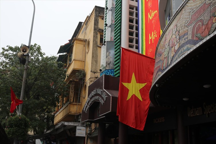 hanoi receives decorative makeover to celebrate party's founding anniversary hinh 3