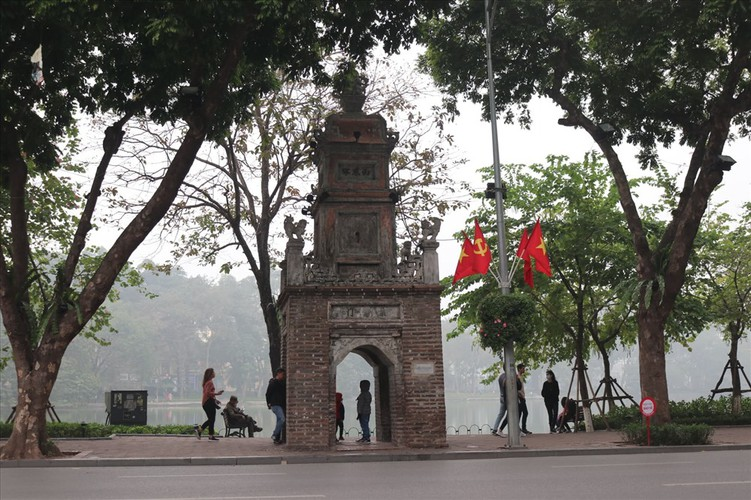 hanoi receives decorative makeover to celebrate party's founding anniversary hinh 4