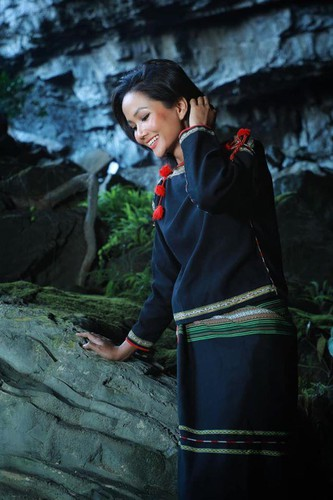miss universe beauty takes part in epic son doong cave tour hinh 11