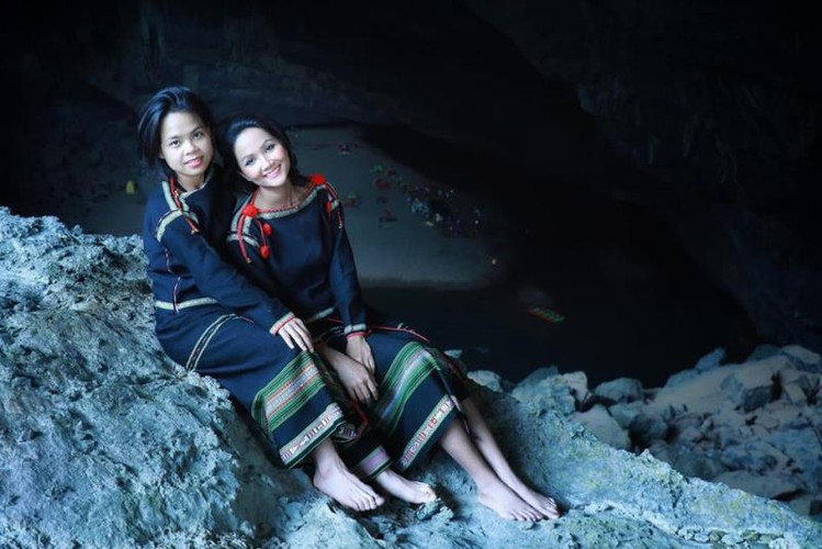 miss universe beauty takes part in epic son doong cave tour hinh 9