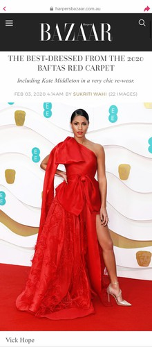 outfit by designer tran hung wins praise as best outfit of bafta awards hinh 2