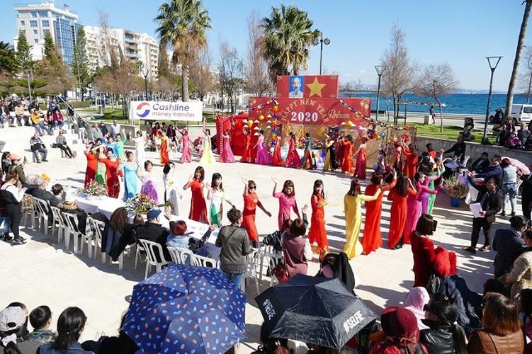vietnam festival in cyprus sees 7,000 overseas vietnamese in attendance hinh 3