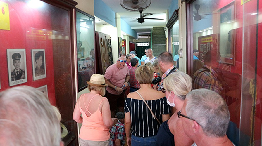 relic sites in hcm city prove popular with foreigners following re-opening hinh 3