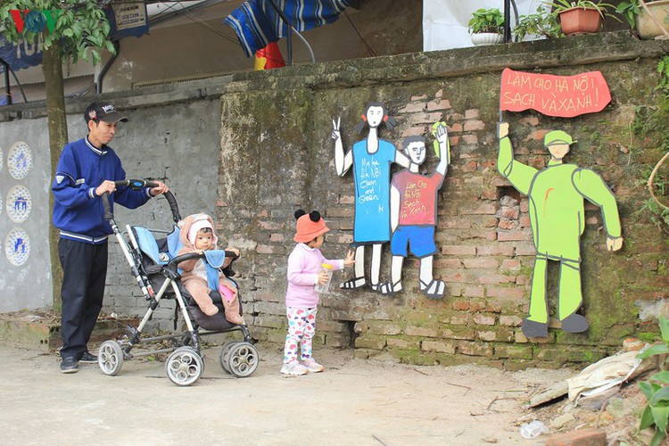 street art made from recycled material goes on display in hanoi hinh 14