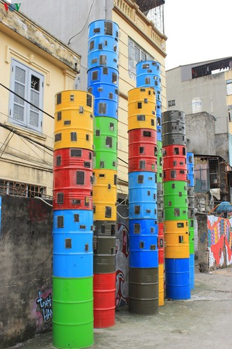 street art made from recycled material goes on display in hanoi hinh 4