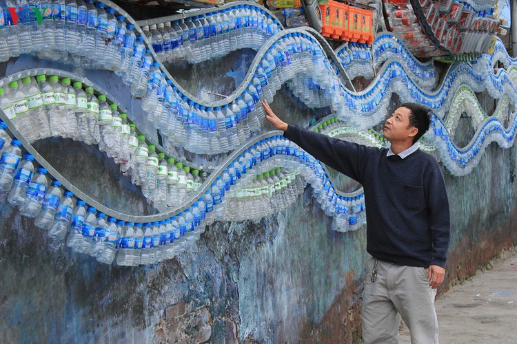 street art made from recycled material goes on display in hanoi hinh 5