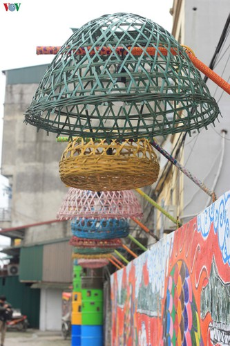 street art made from recycled material goes on display in hanoi hinh 7