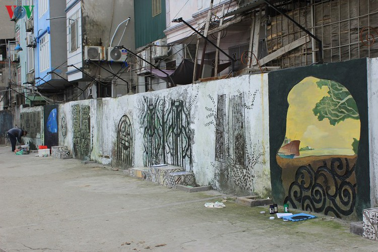 street art made from recycled material goes on display in hanoi hinh 8