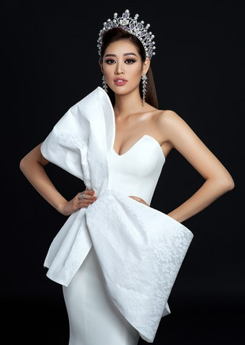 khanh van launches photo collection ahead of miss universe 2020 hinh 3