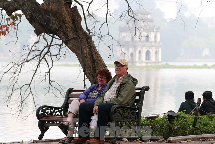 places of interest in hanoi crowded with visitors once again hinh 1
