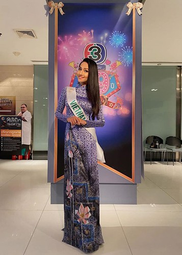 hoai sa dresses in ao dai for activities at miss international queen 2020 hinh 1