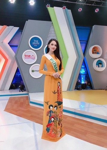 hoai sa dresses in ao dai for activities at miss international queen 2020 hinh 2