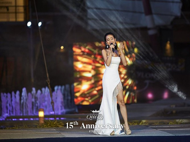 hoai sa dresses in ao dai for activities at miss international queen 2020 hinh 4