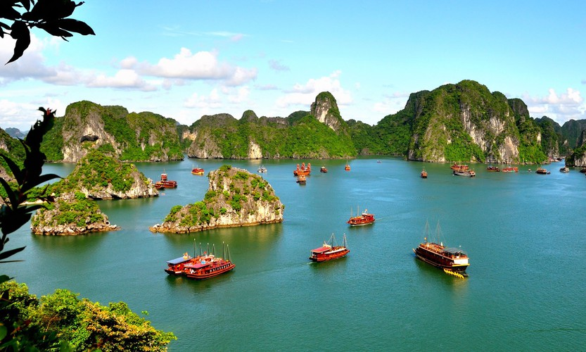 wanderlust offers 17 suggestions on best things to do in vietnam hinh 2