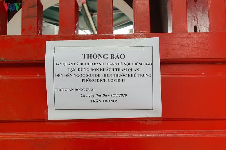 tourist sites in hanoi close to be disinfected amid covid-19 fears hinh 9