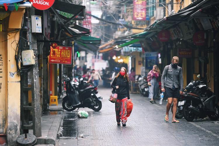 entertainment areas in hanoi deserted as covid-19 fears grip capital hinh 10